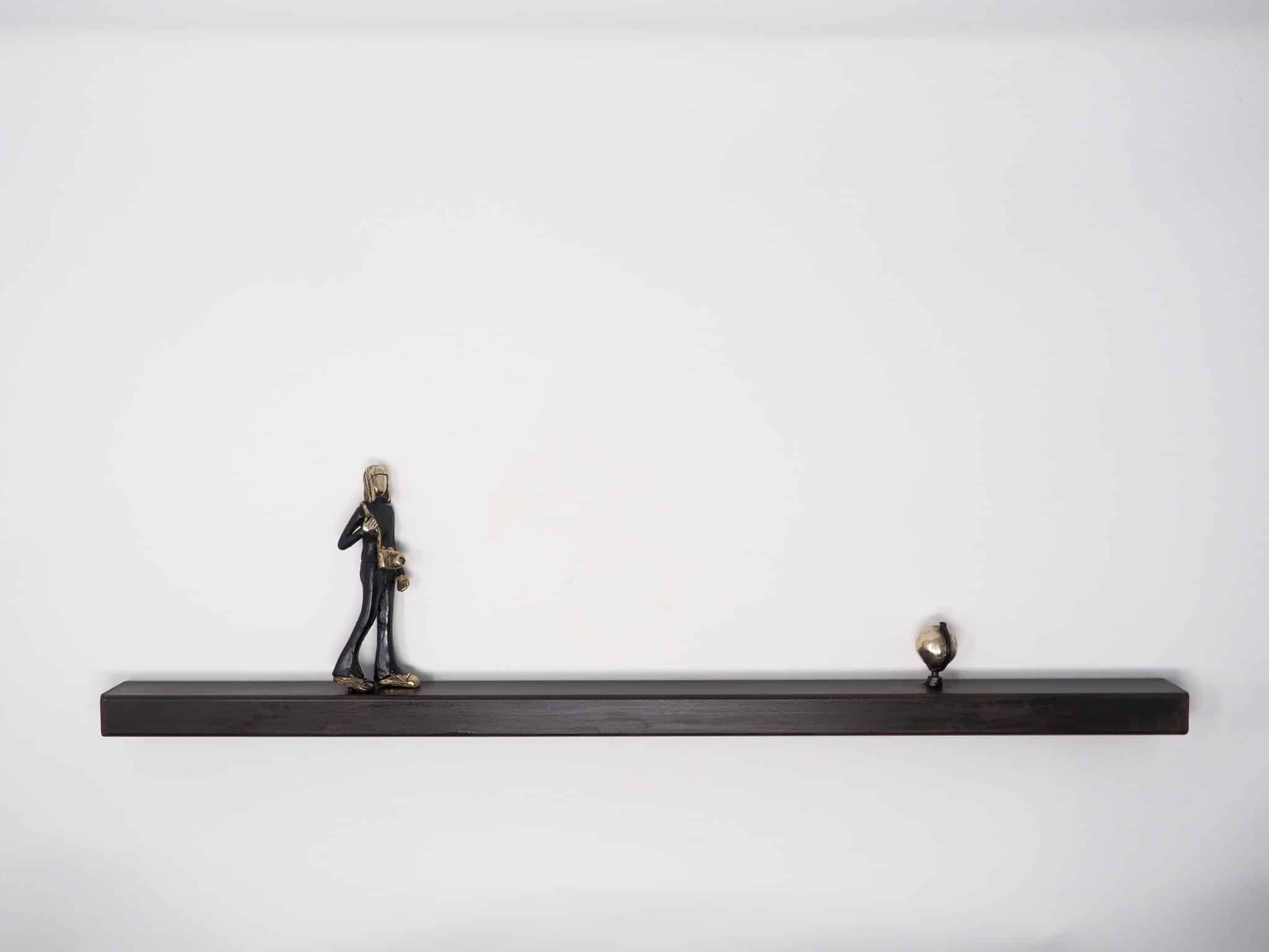 Gira, il mondo gira sculpture Mireia Serra